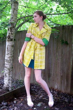 yellow Target coat