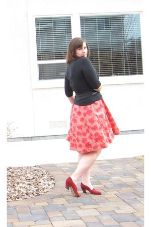 black New York and Co shirt - red H&M dress - red vintage shoes - black Forever