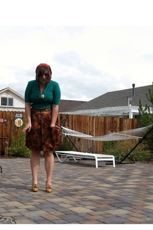 orange kohls skirt - green Express shirt - beige thrifted shoes - orange Forever