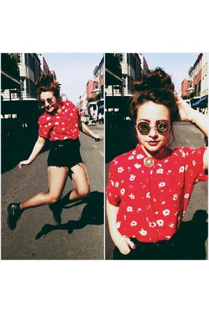 shorts - floral blouse - peace glasses - vintage brooch accessories