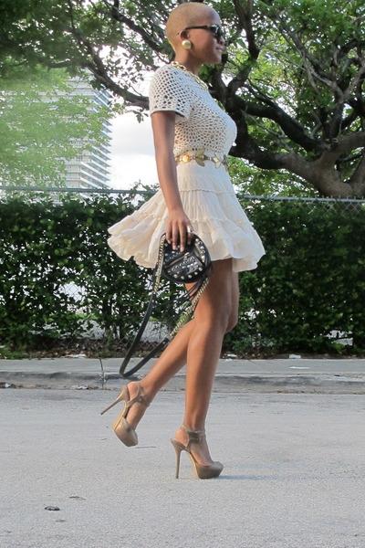 beige crochet Zara dress - Persol sunglasses - beige Forever 21 skirt
