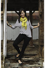 Vintage-scarf-mens-h-m-t-shirt-forever-21-pants