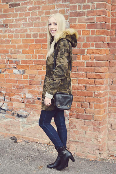 dark khaki Express jacket - black Ecco Shoes shoes - navy jeggings Gap jeans