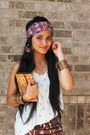 Burnt-orange-ikat-print-wallet-white-printed-giraffe-top