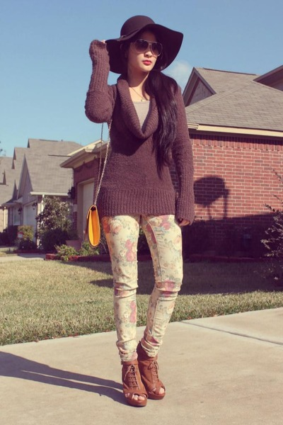 tan Wet Seal jeans - brown felt Claires hat - army green knitted sweater