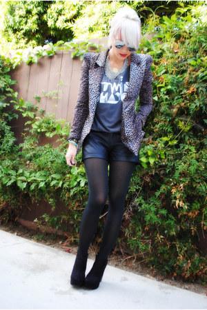 black f21 shorts - black f21 boots - black shopNastygalcom jacket