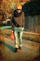 black Mossimo t-shirt - navy berksha jeans - black Aldo sneakers