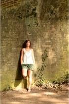 white H&M top - dark green OASAP shorts - tawny Zara flats