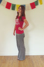Red-unknown-brand-t-shirt-olive-green-cotton-basics-pants