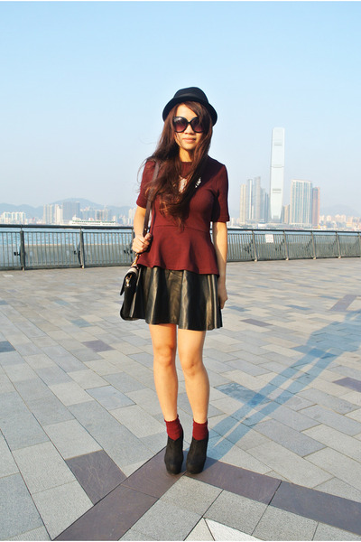 black leather H&amp;M skirt - black Marc by Marc Jacobs bag - brick red H&amp;M socks