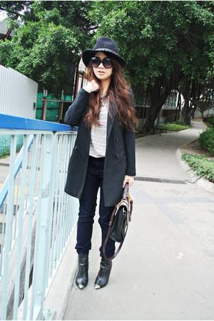 navy leopard Armani Exchange pants - black Zara hat