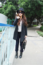 navy leopard Armani Exchange pants - black Zara hat