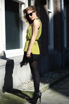 yellow H&M top - black Zara dress - black Timeless heels