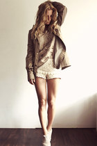 tan J&L jumper - camel Mango coat - nude Zara shorts
