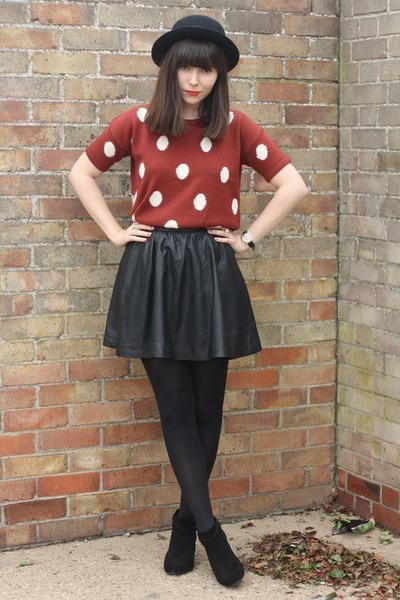 brick red polka dot Forever 21 sweater - black leather skirt