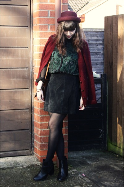 green embellished blouse - crimson cardigan - black suede skirt