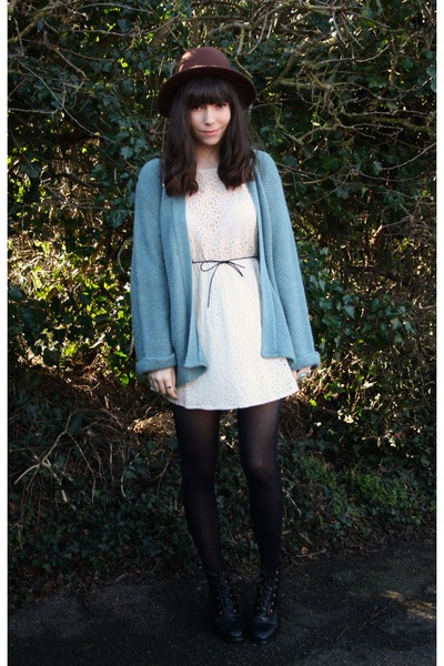 turquoise blue cardigan - off white dress