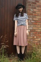 pink midi skirt - striped t-shirt