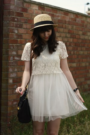 white lace-mesh dress