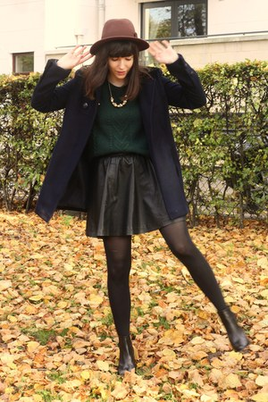 navy coat - forest green sweater - black faux leather skirt
