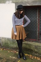 mustard skirt - dark brown faux fur scarf - striped top