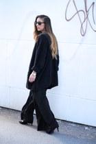 black Zara pants