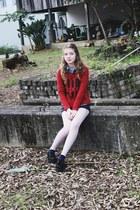 Colcci shoes - Colcci sweater - Laforet shirt - Malwee shorts