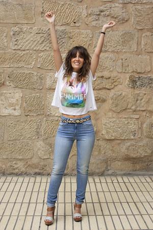 Pepe Jeans t-shirt - Levis jeans - Diesel bag