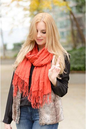 blue retro American Eagle jeans - carrot orange bright Similar Here scarf