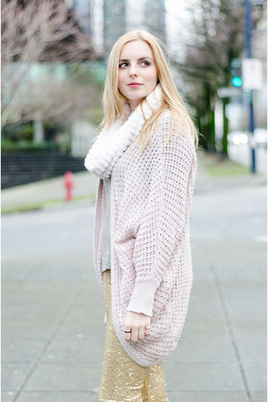 light pink American Eagle sweater - gold sequined Obviously Chic leggings