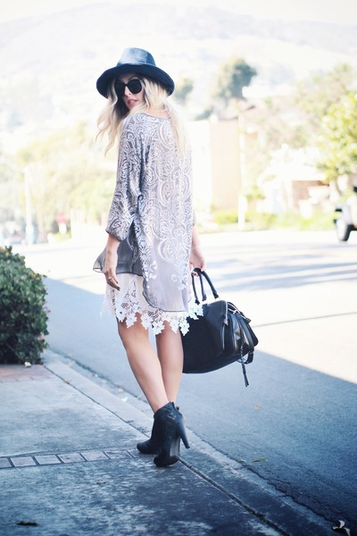 black tsubo boots - silver calypso shirt - black JustFab bag