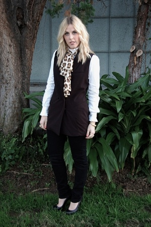 forever 21 blazer - jeans usa jeans - Aldo shoes - thrifted scarf