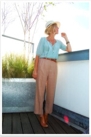 blue Quiksilver Women shirt - brown vintage - brown Max Studio shoes - white H&M