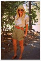 brown vintage shirt - green vintage shorts - brown vintage bass shoes - brown Ta