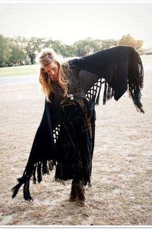 black StyleFindcom scarf - olive green vince top - brown vintage skirt