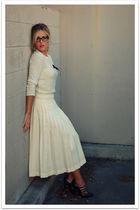 beige vintage sweater - beige vintage skirt - brown sam edelman shoes