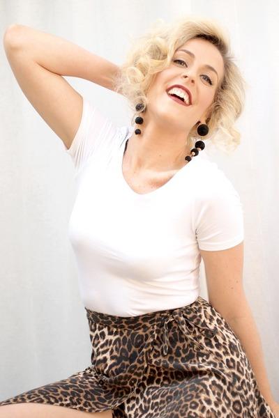 dark brown vintage skirt - white H&M t-shirt