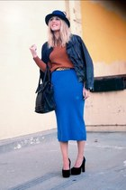 blue midi vintage skirt - black leather thrifted jacket