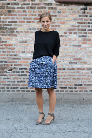 black knit Forever 21 sweater - Michael Kors skirt - suede Zara heels