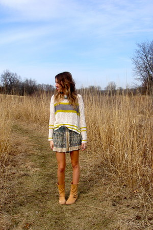 free people sweater - leather Peter Nappi boots - free people shorts
