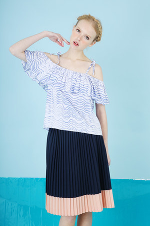 sky blue THE WHITEPEPPER top - navy THE WHITEPEPPER skirt