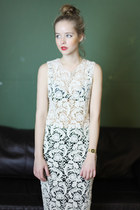 off white lace THE WHITEPEPPER dress