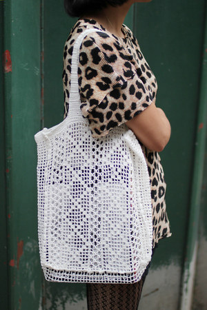 white crochet THE WHITEPEPPER bag