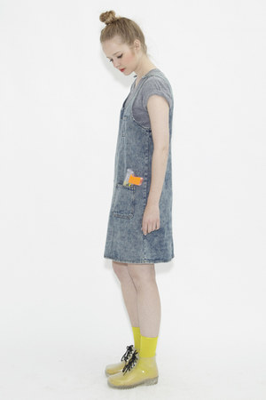 denim pinafore THE WHITEPEPPER dress