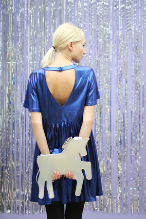 silver THE WHITEPEPPER bag - blue THE WHITEPEPPER dress