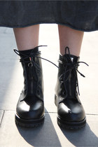Black-chunky-boots-the-whitepepper-boots