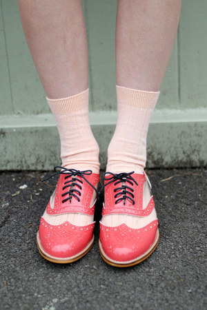 coral neon THE WHITEPEPPER shoes