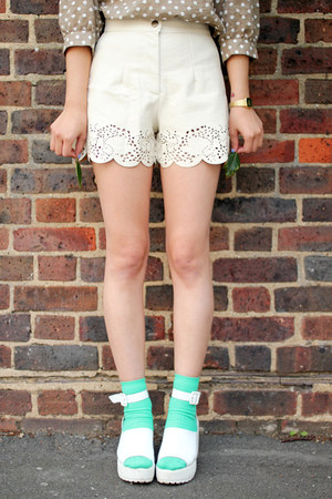 ivory THE WHITEPEPPER shorts