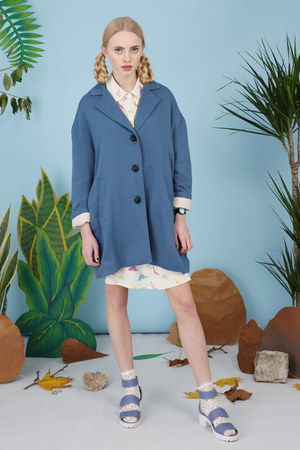 blue THE WHITEPEPPER coat - ivory THE WHITEPEPPER shirt