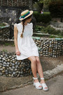 Ivory-the-whitepepper-dress-white-the-whitepepper-sandals